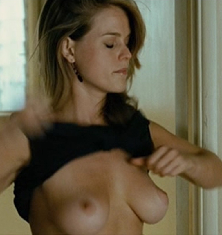 Alice Eve wonderful boobs